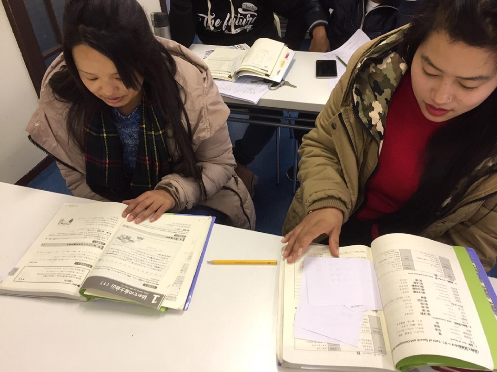 テスト勉強頑張っています!